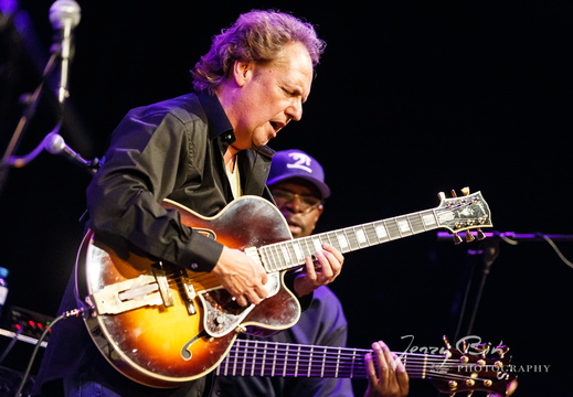 Lee Ritenou