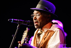 Elmore James Jr. with Mojo Blues Band at Theater Akzent